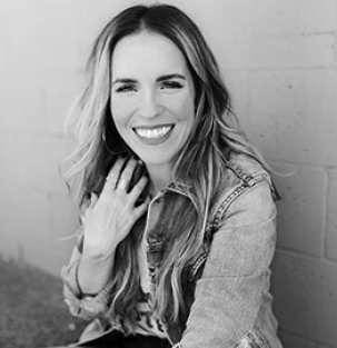 Rachel Hollis guest speaker at Live2Lead 2019