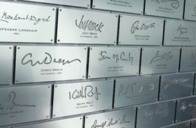 Gallerease wall of signature